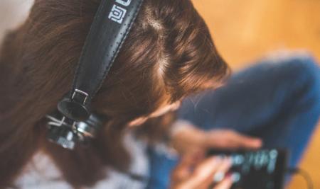 Webs para mejorar tu listening: nuestras 4 recomendaciones.